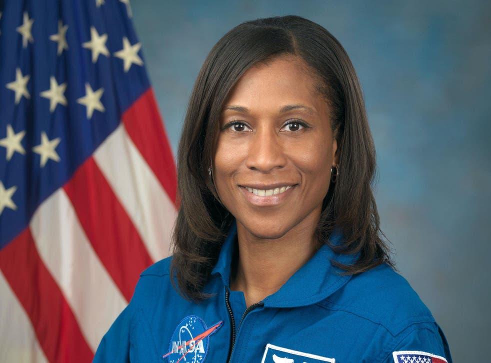 La astronauta Jeanette Epps se convertiría en la primera mujer afroamericana en vivir en la Estación Espacial Internacional
