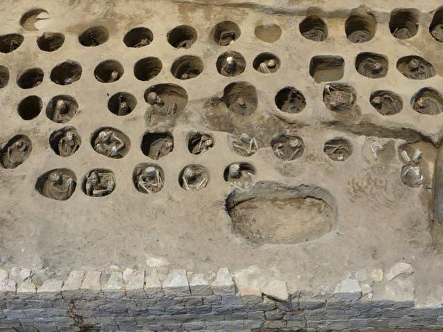 Los arqueólogos desenterraron los restos de más de 1.500 personas, muchas de ellas con signos de muerte por epidemia, en una fosa común del siglo XIX.
