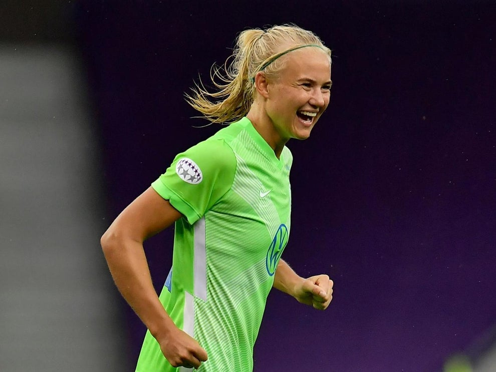 Chelsea: Pernille Harder named Uefa Player of the Year