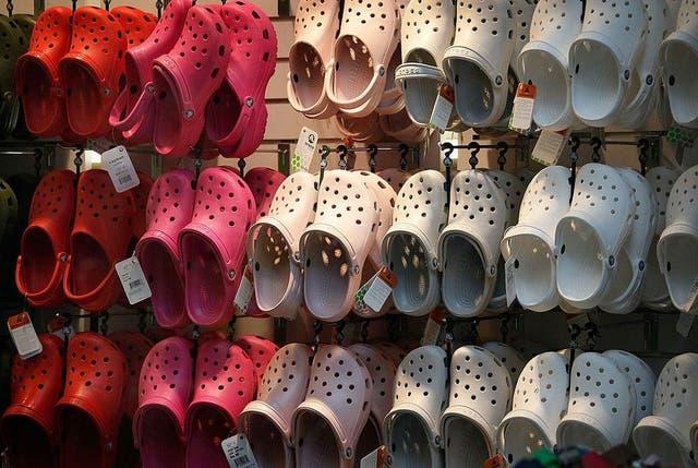 <p>Plastic fantastic: Crocs are en vogue, Justin Bieber says so</p>