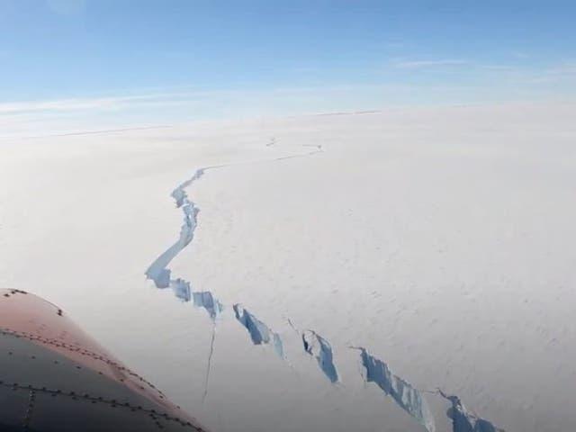 Un abismo en la plataforma de hielo Brunt donde se rompió el iceberg